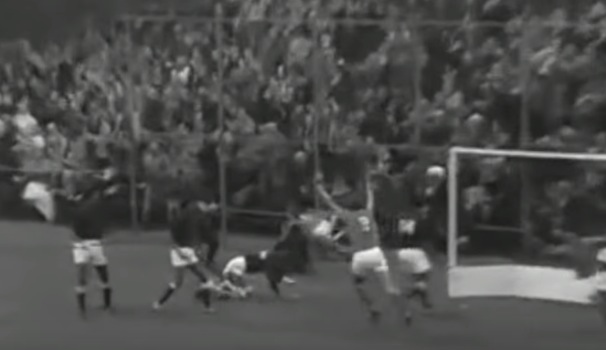 One amazing goal from 1971 in a game between Holland and Pakistan