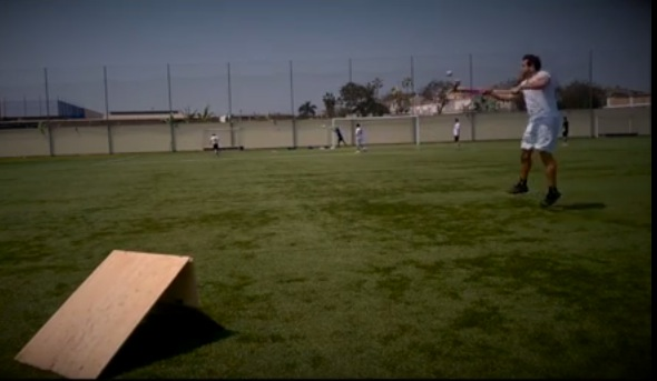 A non-conventional drill to improve you aerial receiving skills using ramps