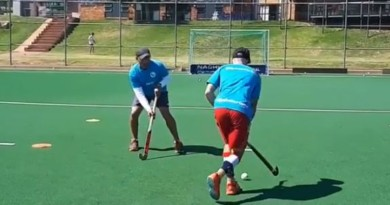 Improve your dribbling, body movement and deception skills with EVO Hockey Camps!