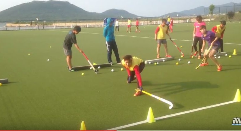 Footwork & Defence drill: block tackle + jab + reverse tackle